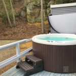 Eagle View Escape rental cabin in Hocking Hills, OH with hot tub