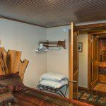 hocking-hills-cabin-bedroom-1
