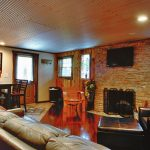 Hocking Hills, OH rental cabin Eagle View Lake House living room